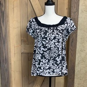 Faded Glory black and white blouse
